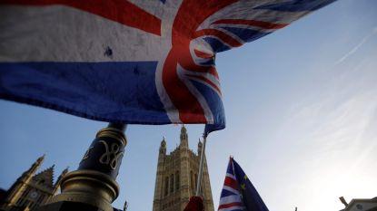 """Londen en Brussel houden tegelijkertijd persconferentie: """"Brexitdeal moet veranderen"""" versus """"Brexitdeal gaat niet meer veranderen"""""""