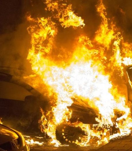 Franse steden doen onderling wedstrijdje waar de meeste auto's in brand worden gestoken