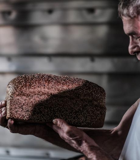 Leo Ebbers weet wat het bakken van lekker brood betekent: water en rust maken het verschil