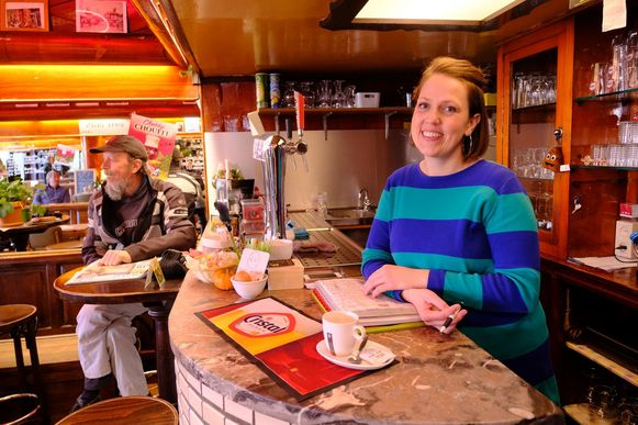 """Uitbaatster Femke van café Commercial. """"Waarom creëert men geen wijk naar voorbeeld van het hippe Meatpacking District in New York?"""""""