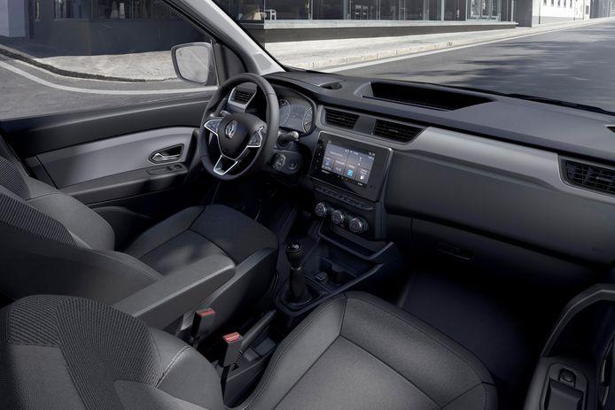 Iets simpeler van opzet en een lager geplaatst scherm: het interieur van de Renault Express
