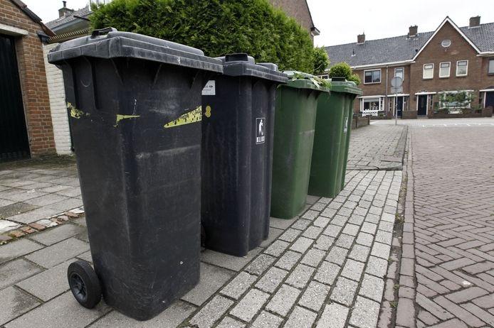 De grijze en groene container gebroederlijk naast elkaar komt vanaf januari niet meer voor in Sluise straatbeeld. GFT-afval wordt om de week opgehaald, restafval eens per vier weken.