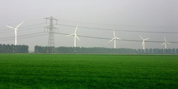 Nieuwe windmolens van het Windpark Zeewolde worden rechtstreeks aangesloten op het hoogspanningsnetwerk van Tennet.  2007-06-09 00:00:00 Windmolens in Flevoland