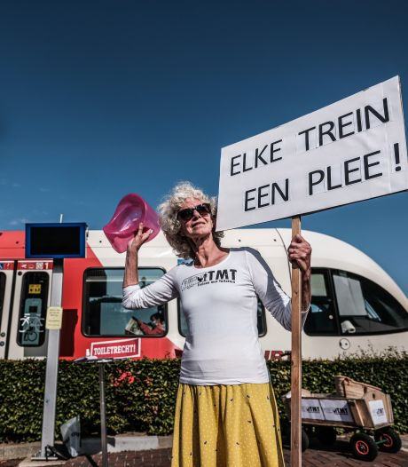 Greetje geeft moed nooit op in haar strijd voor toiletten: 'Elke trein een plee!'