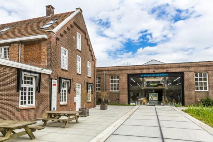 Nico de Bont renoveerde de voormalige ververij en splitterij, die de provincie nu wil gaan overdragen aan het Europees Keramisch Werk Centrum.