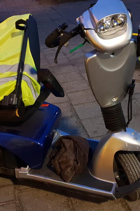 Twee scootmobielen aangereden in Tiel en Wageningen