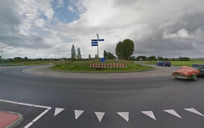 Rotonde aan de Lange Heerenstraat bij Schoondijke.