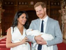 Prins Harry, Meghan en Archie schitteren op kerstkaart met glitters