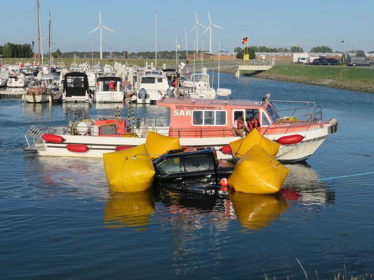Ship Support trok de wagen weer op het droge.