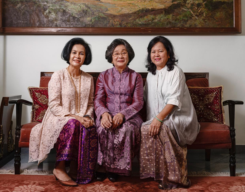 De drie dochters van Mohammad Hatta (vlnr): Gemala Rabi'ah Hatta, Meutia Farida Hatta Swasono, Halida Nuriah Hatta.