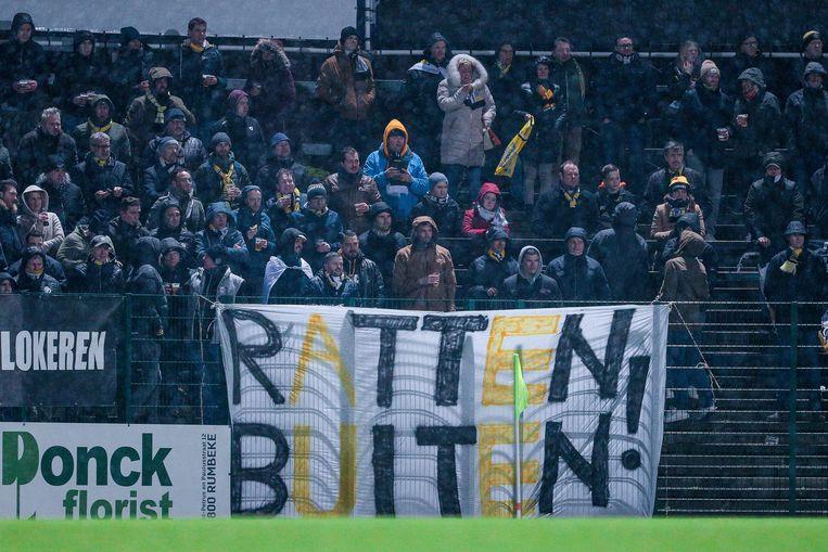 De wedstrijd van Sporting Lokeren tegen Beerschot werd vooraf aangekondigd als mogelijk de laatste van de Wase voetbalclub.