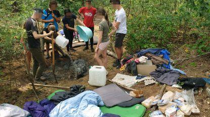 Jongeren maken kampvuurtjes in bos: brandweer verplicht hen om zelf te blussen
