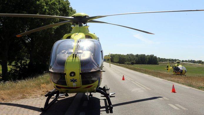 Traumahelikopters na het ongeluk in Rossum.