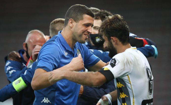 Quatre victoires, meilleure attaque (à égalité avec Zulte) et meilleure défense (à égalité avec le Standard): le Sporting de Charleroi a brillé en ce début de saison.