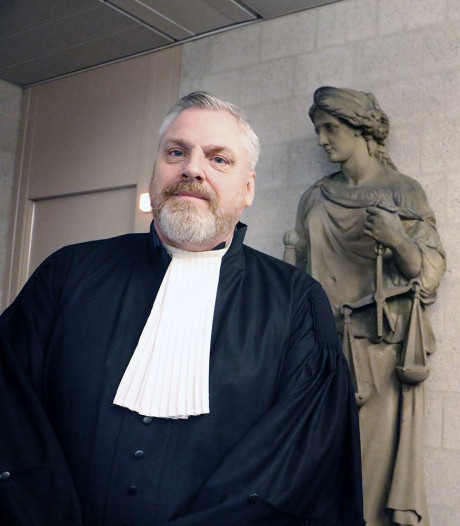 Veel steun voor advocaat Schouten om aanbod bijstaan Nabil B.: 'Zelfs agent die mijn privéchauffeur wil zijn'