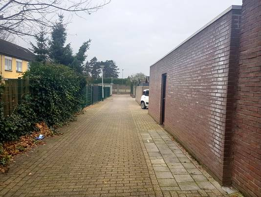 Overlast op Keurvorstenweg in Bergen op Zoom. Foto Iris van den Berg