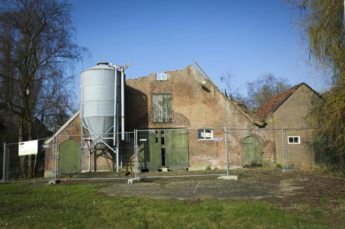 Boerderij te koop voor klusser maas en waal for Boerderij achterhoek te koop