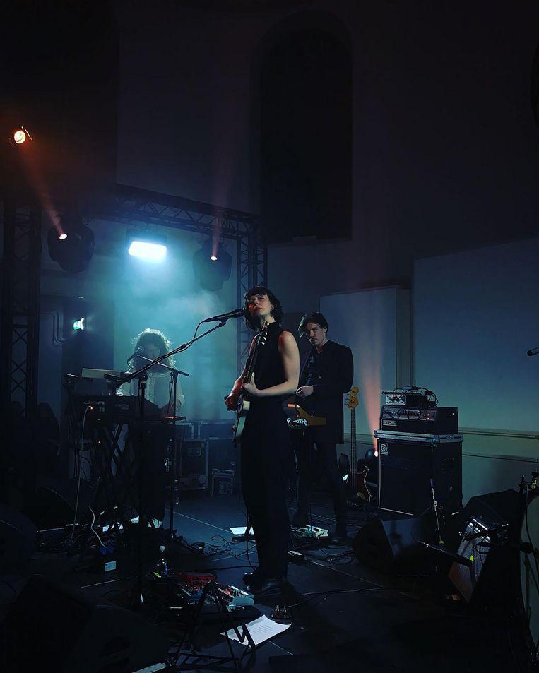 Luwten tijdens het optreden in de Doopsgezinde Kerk in Groningen op 17 januari Beeld Douwe Esschendal