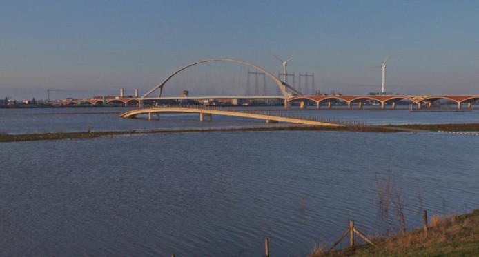 Een impressie van de windmolens te zien van Nijmegen-Noord.
