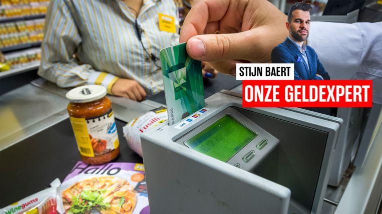Geven burgers die 200 euro ontvangen van de overheid dat geld meteen weer uit? Onze werkexpert Stijn Baert geeft zijn mening over 'helikoptergeld'.