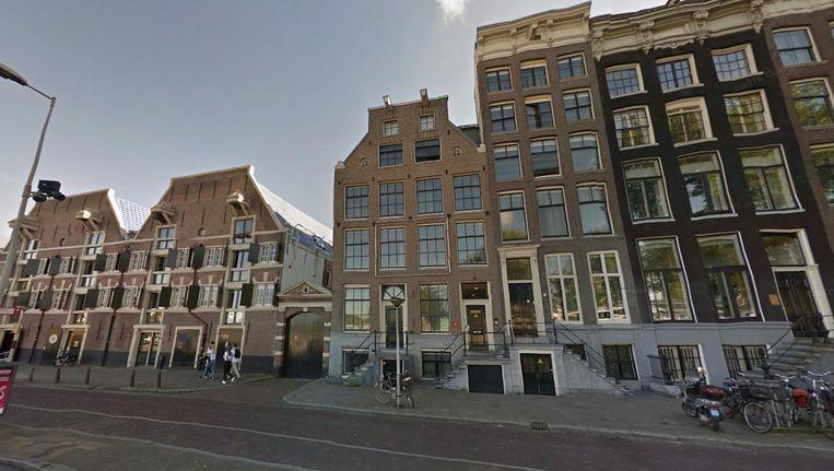 Het pand aan de Prins Hendrikkade. Beeld Google Street View