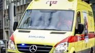 Bestelwagen aangereden aan kruispunt van Karreweg met N459: 1 lichtgewonde