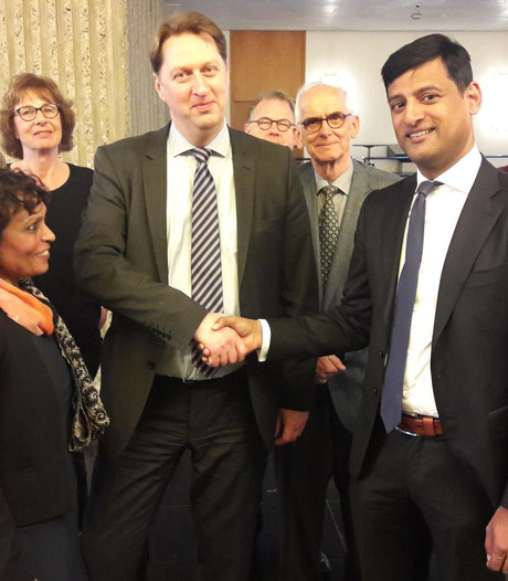 D66-voorman 'had met zijn ouders mee moeten gaan naar Suriname'