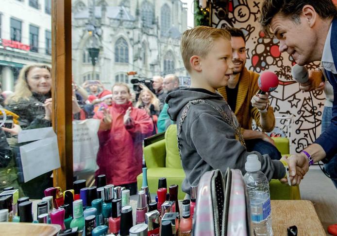 De 6-jarige Tijn wordt burgemeester voor een dag in het Glazen Huis.