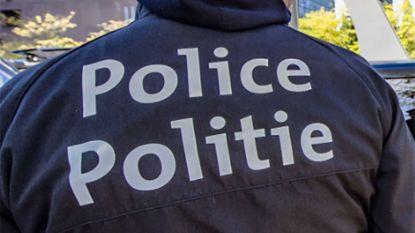 Gemaskerde mannen vallen Genks café aan en slaan ramen en inboedel stuk