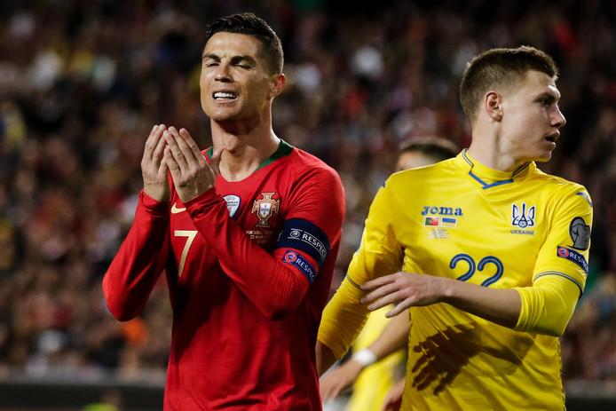 Cristiano Ronaldo baalt tijdens Portugal - Oekraïne.