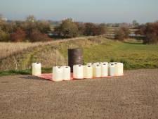 Tonnen met onbekende vloeistof in Beusichem aangetroffen