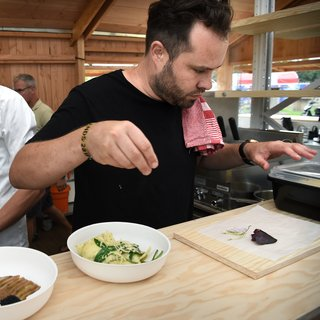 Eten van de toekomst op Lowlands: de kaviaar bij de blini is van zeewier