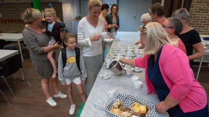"""Vriendenkring trakteert op koffie en ontbijtkoeken in Gemeentelijke Basisschool """"De Bosrank"""""""