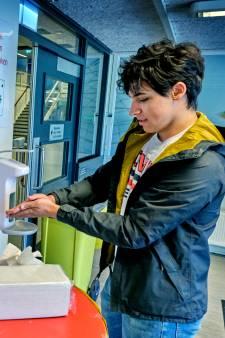Met deze maatregelen mogen middelbare scholieren  weer naar school: minimaal wc-bezoek aub!
