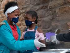 Een wonder: straatbendes delen geen cocaïne maar meel uit in Kaapstad