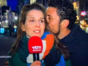 L'homme qui a embrassé une journaliste de VTM de force en direct a été arrêté