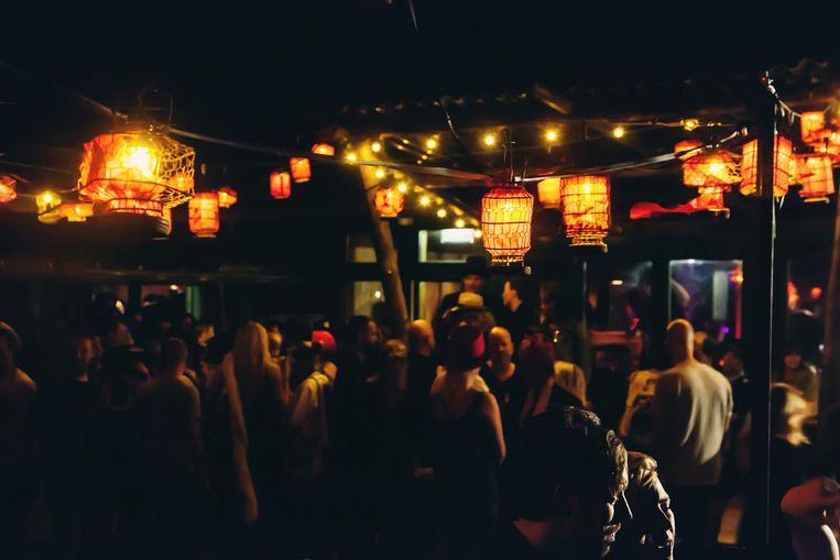 Tijdens het Mexicaanse Herfstbal dans je op Blijburg tussen de talloze warme lichtjes. Beeld Blijburg