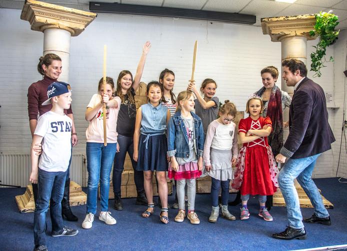 Leerlingen van basisschool CBS De Duyvencamp zijn onderdeel van het concert van het Camelia Quartet dat wordt georganiseerd door de stichting Muziek met een Plus.