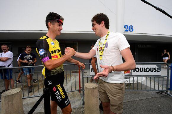 Handshake met Van Aert.