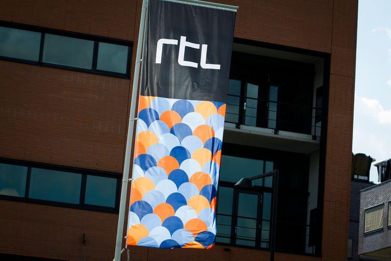 RTL 5 heeft besloten om de uitzendingen van De Villa per direct stop te zetten wegens seksueel grensoverschrijdend gedrag in het programma. Dat heeft een woordvoerder laten weten aan BuzzE. De zender biedt bovendien excuses aan vanwege vertoonde beelden. Beeld ANP Kippa