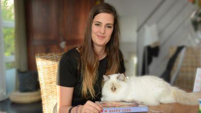Anneleen Bru signeert 'I Love Happy Cats Revolutie' in Waasland Shopping Center