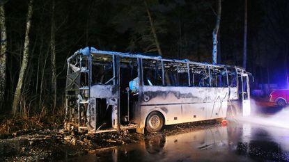 Schoolbus brandt uit door defecte motor