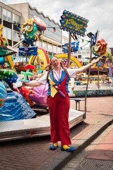 Anne werkt als clown Anka op de kermis: 'Ik zie mezelf dit nog wel tot het pensioen doen'