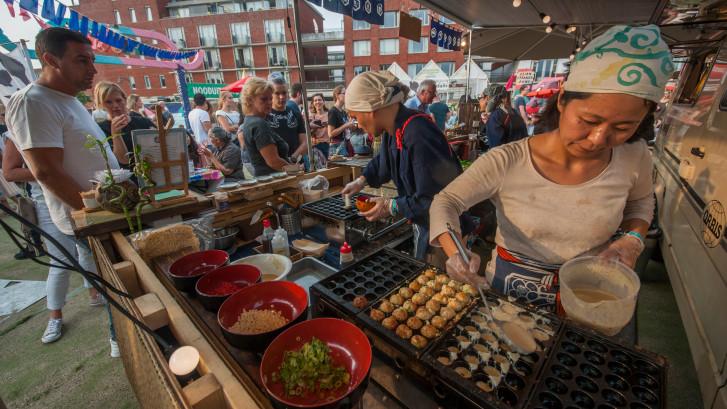 Stokjes gereed: Het Sushifestival keert terug naar Paleiskwartier, ondanks kritiek