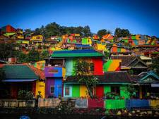 Indonesische wijk krijgt kleurrijke make-over en wordt Instagram-hit