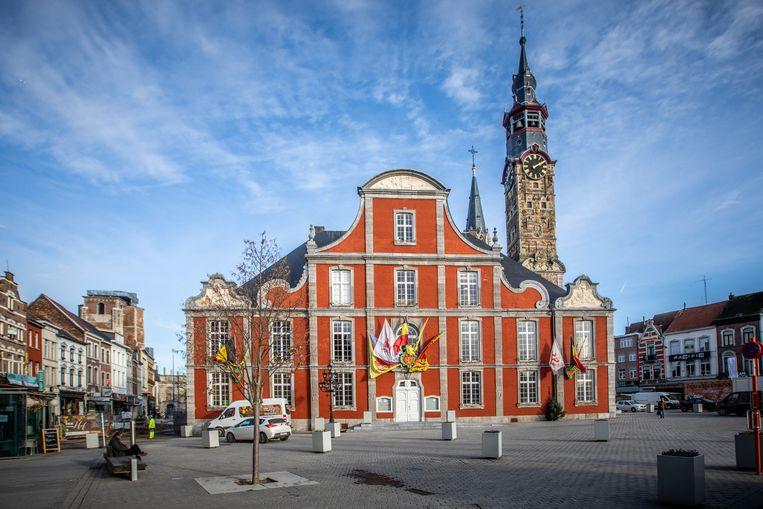 Sint-Truiden stevent af op historische stadsschuld van 120 miljoen ...