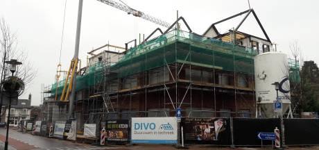 Optimisme over woningbouw in Hilvarenbeek na bezoek gedeputeerde Van Merrienboer