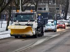 Tonnen zout gestrooid, maar toch nog spekglad in Rotterdamse buurten