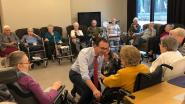 Burgemeester Beke draait mee in woonzorgcentrum