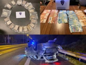 """Voertuig vlucht weg van politie en crasht met snelheid van 220 kilometer per uur: """"Bijna 10 kilogram hasj en 20.000 euro cash geld in beslag genomen"""""""